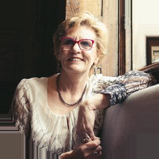 A headshot of Lois Letchford